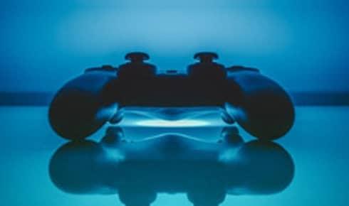 Eloge jeux concours via reseaux sociaux